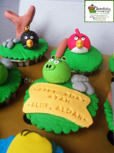 AngryBirdsCupcakes-ChocolatyCakes