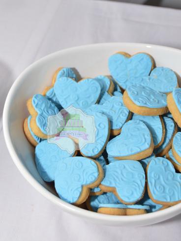 BlueWhiteDessertTableforIraDewosWedding-ChocolatyCakes