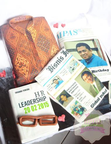 ShirtBookNewspaperCakeforIrvandi-ChocolatyCakes