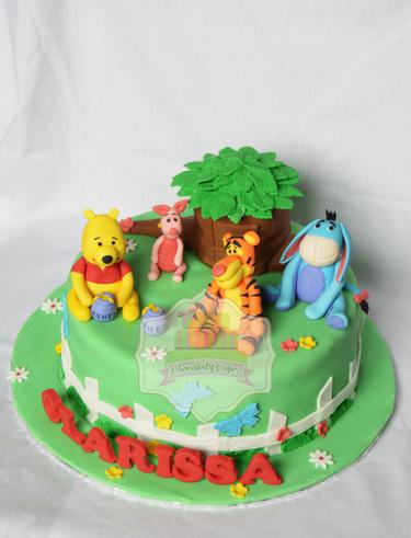 WinnieThePoohFriendsCakeforClarissa-ChocolatyCakes