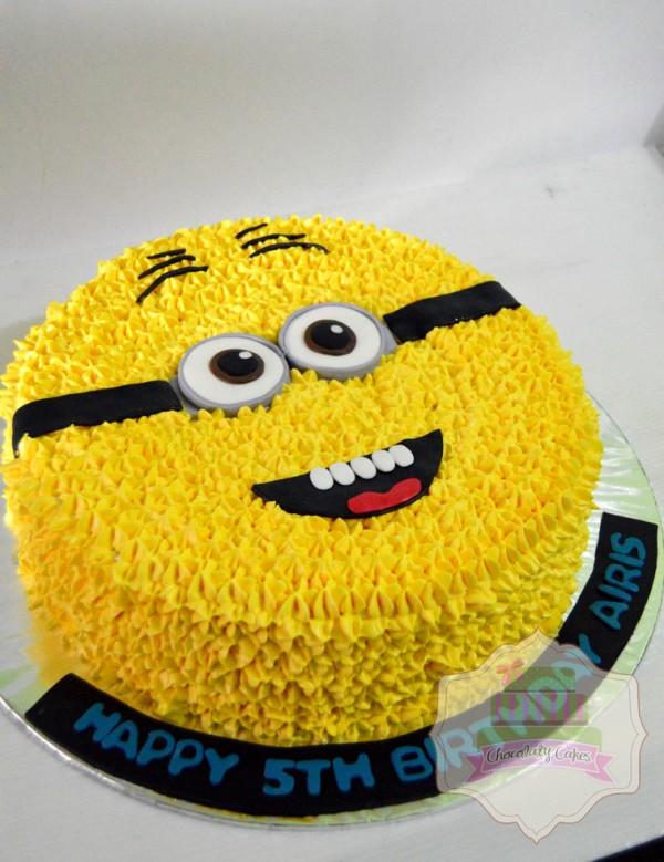 Minion Cake For Airis